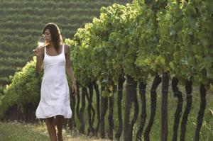 HC_RF_lady_vineyard